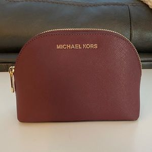 Michael Kors Jet Set Travel Pouch LG - Merlot